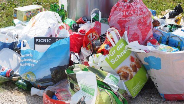 Zber vytriedených zložiek odpadu