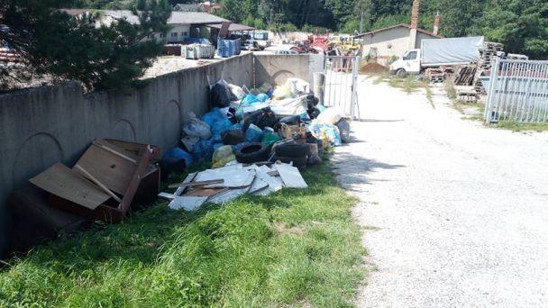 Zberné miesto odpadov - upozornenie